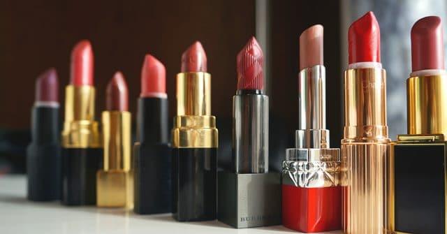 lipsticks op een rij